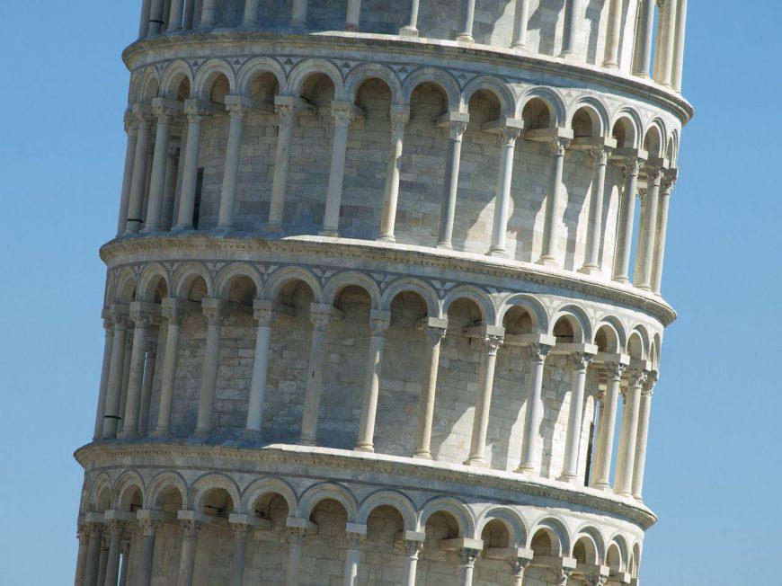 La torre pendente del Governo